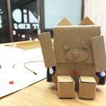 ダンボールで作る子ども向けプログラミングロボット「embot」を組み立てよう